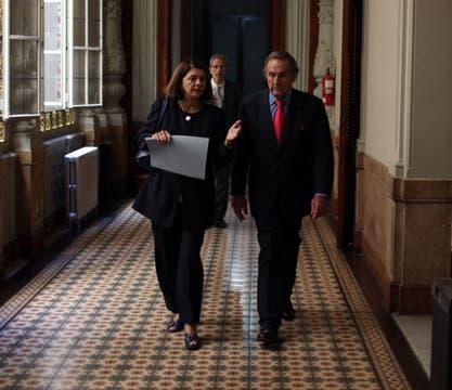 Reuteman  camina por los pasillos del Congreso de la Nación. Foto: LA NACION / Aníbal Greco