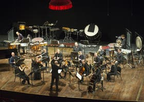 La orquesta durante la interpretación de Monadologie XII