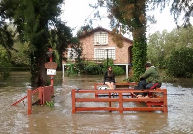 El arroyo Espera, en Tigre, desbordado