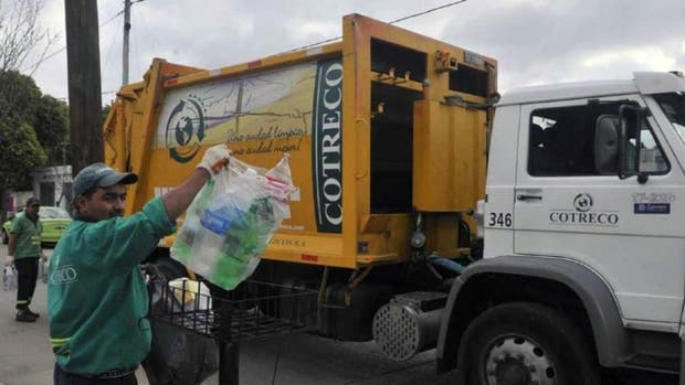 Misterio en Córdoba: hallaron $2.4 millones triturados en la basura
