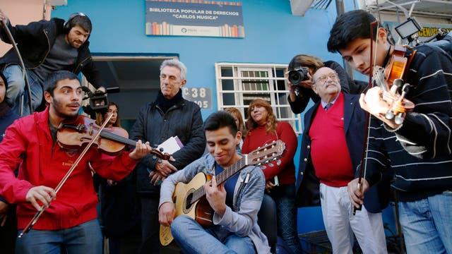 La inauguración de la Biblioteca Carlos Mujica