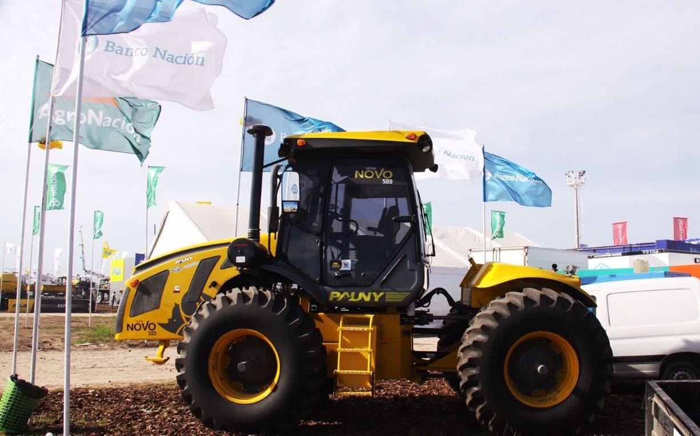 La empresa producirá tractores en Brasil. Foto: Twitter Pauny