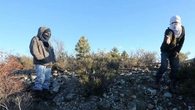 Los mapuches sólo se muestran encapuchados