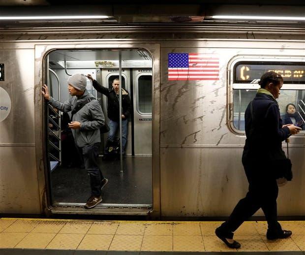 El subte neoyorquino transporta 5,5 millones de personas por día