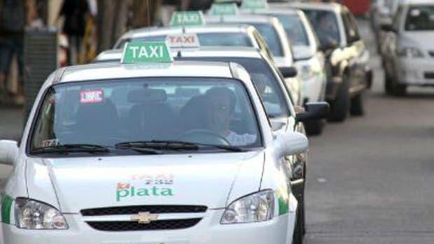 El taxista sufrió un corte en el cuello y tuvo que ser trasladado al Hospital San Martín