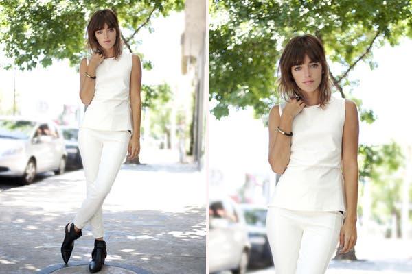 Con un look total white, Belén Chavanne también pasó por María Cher. Divinos los zapatos, que son de la colección invernal de la marca. Foto: Gentileza Mass Grupo PR