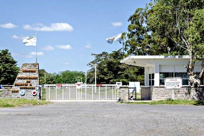 El conflicto por el cierre de la planta de Azul dejó al descubierto el interés del Gobierno por reducir el financiamiento del Estado