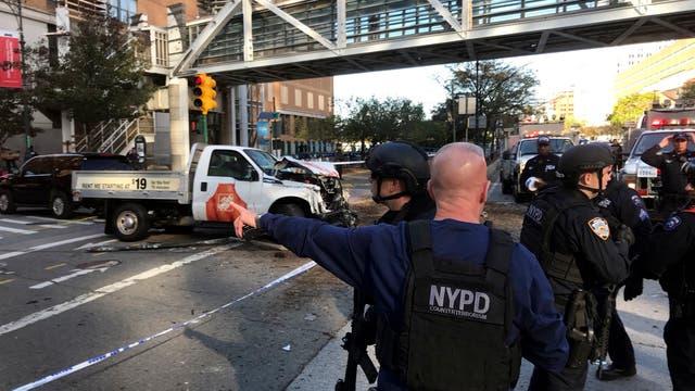 Alarma en Manhattan por un automovilista que atropelló a varias personas. Foto: AP / Martin Speechley