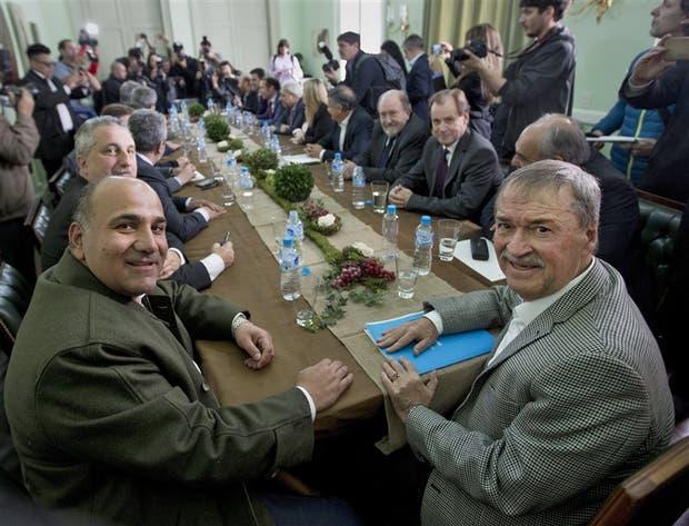 Los gobernadores se plantan ante la ofensiva de Nación