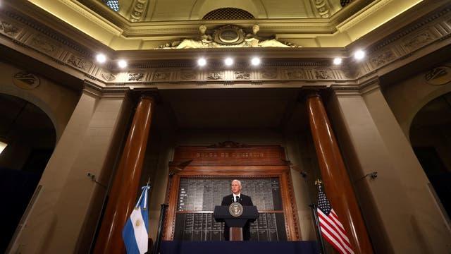 Mike Pence en la Bolsa de Comercio de Buenos Aires