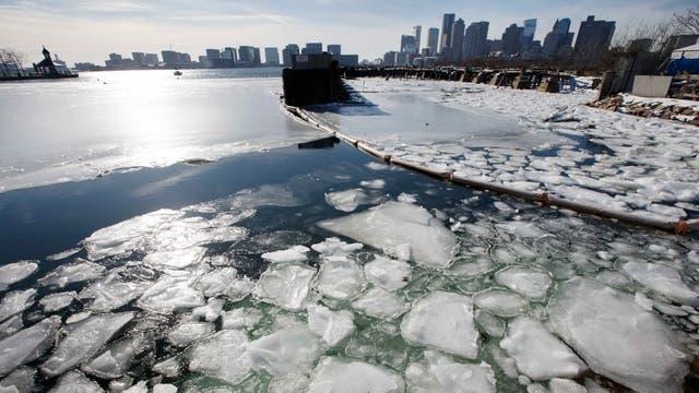 Alerta en EE.UU por las bajas temperaturas, la nieve y la llegada de un ciclón bomba