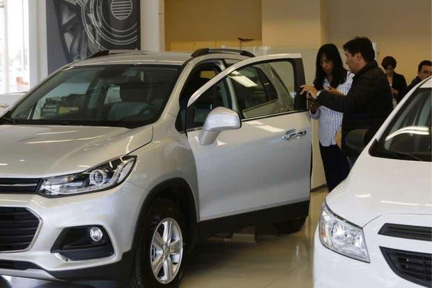 Una concesionaria de la zona norte del conurbano; se vive un boom de ventas de autos importados desde Brasil