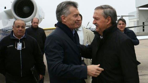 Mauricio Macri fue recibido por el gobernador de Córdoba, Juan Schiaretti