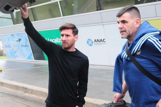 Messi junto a Daddy, el masajista de la selección y una de las personas más cercanas a él