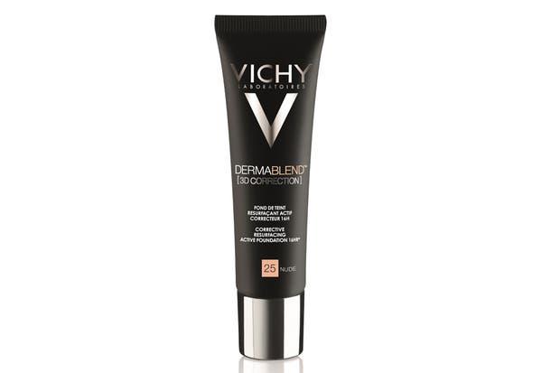 Dermablend, corrección 3D: Base correctora que unifica, cubre y trata las pieles grasas propensas al acné $745, Vichy.