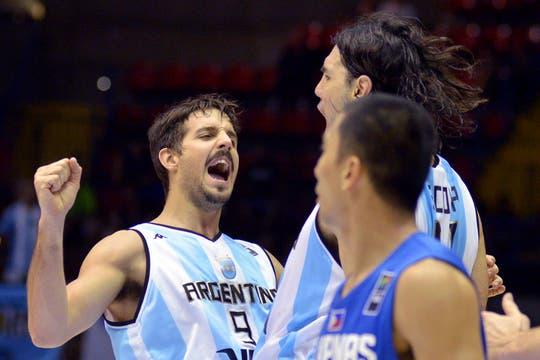 Argentina le ganó por 85-81 a Filipinas y sumó su segundo triunfo. Foto: LA NACION / Adrián Quiroga