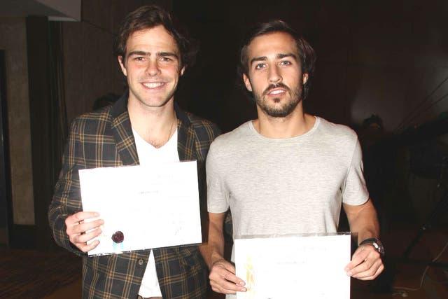 Peter y Nico, felices, pero cansados de las fotos