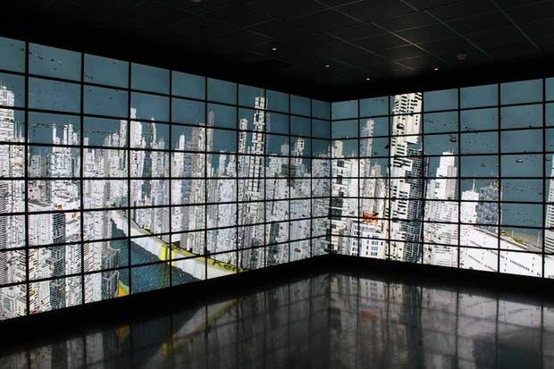 Una vista de Reality Deck, la instalación compuesta por 416 monitores LED