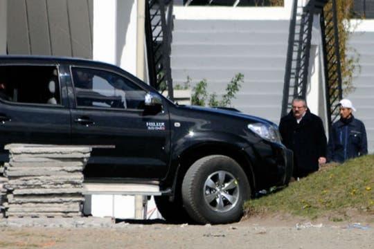 El médico Luis Bounomo acompañó a la Presidenta en su visita al cementerio. Foto: OPI Santa Cruz