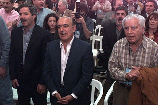 Tres gobernadores del PJ: Solá, Ruckauf y Cafiero en unas jornadas de reflexión peronista el 27 de octubre de 2000. Foto: Archivo
