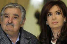 Cristina y Mujica en una nueva relación tensa, después de los problemas a las trabas de exportaciones