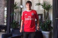 Franco Cervi fue presentado como nuevo jugador del Benfica