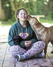 Milagros Toledo, la chica que rescató  más de 100 perros