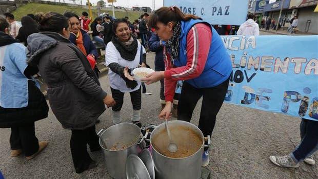 Nueva jornada de ollas populares Barrios de Pie vuelve a pedir por una ley de emergencia alimentaria