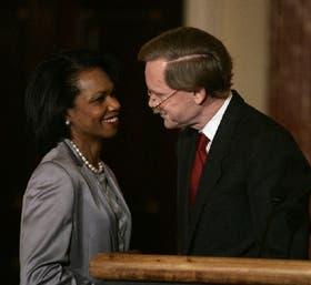 Rice y Zoellick, ayer, al anunciar la dimisión del subsecretario de Estado