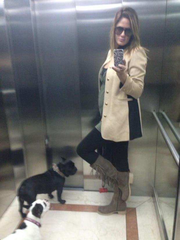 Una instantánea en el ascensor.