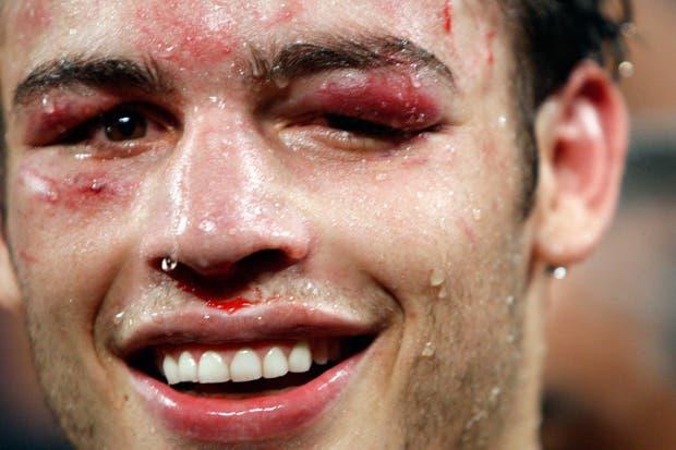 Tal como lo había prometido, Maravilla Martínez le dio una golpiza inolvidable al mexicano.  Foto:AFP