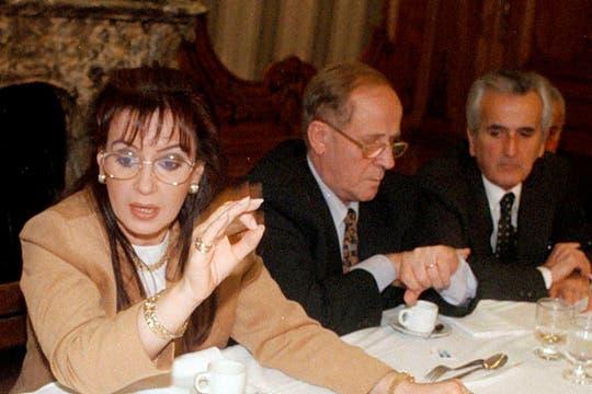 Cristina Kirchner, en 1996, durante su férrea campaña contra el acuerdo con Chile. Foto: Archivo