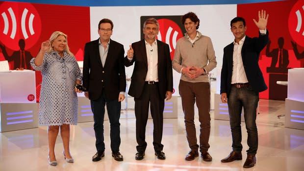 Elisa Carrió (Vamos Juntos), Marcelo Ramal (Frente de Izquierda y los Trabajadores), Daniel Filmus (Unidad Porteña), Martín Lousteau (Evolución), y Matías Tombolini (1 País)