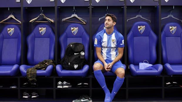 Emanuel Cecchini fue presentado como nuevo jugador de Málaga