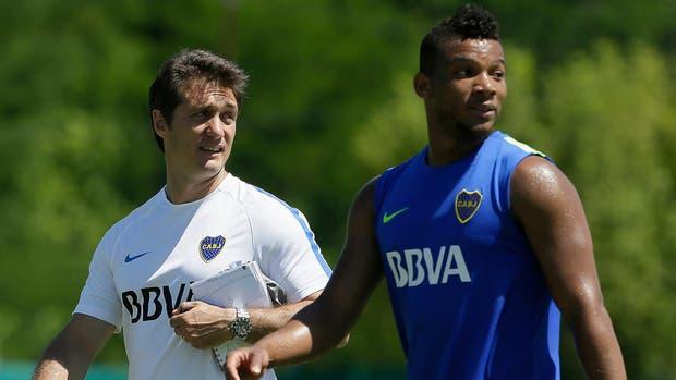Guillermo y Fabra. El colombiano se afianza como el Nº 3 titular de Boca