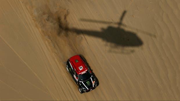 Dakar 2018: Sebastian Loeb abandona en la quinta etapa; Peterhansel, más líder
