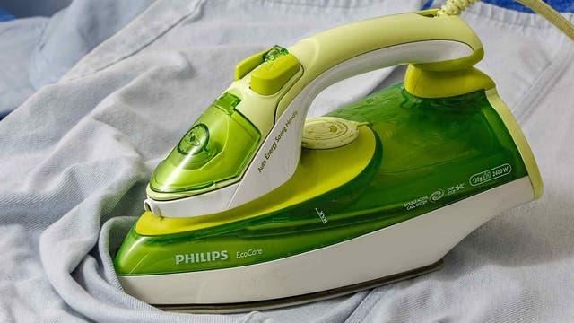 Para las mujeres es importante que los hombres sean atractivos y sepan hacer tareas domésticas