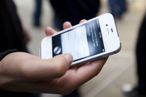 Siri de Apple, uno de los asistentes por voz disponibles en dispositivos móviles que permiten identificar y procesar diversos patrones complejos de los usuarios para ofrecer respuestas personalizadas