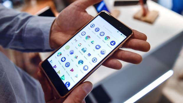 Un Nokia 6, diseñado y fabricado por HMD