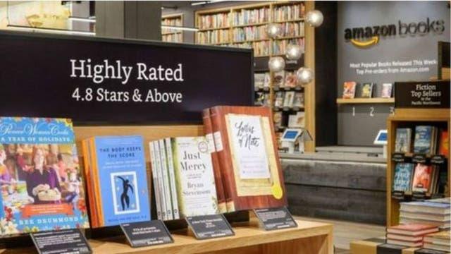 Amazon comenzó su incursión en el mundo físico con librerías