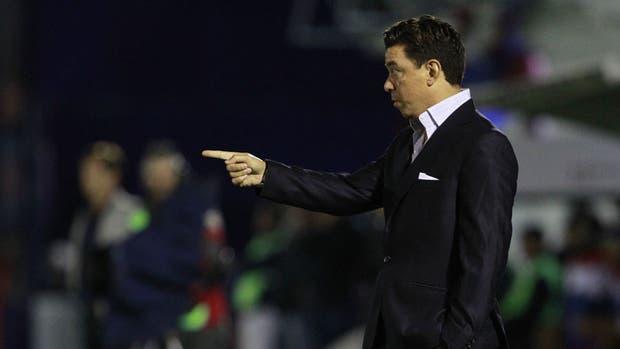 Gallardo se enteró del gol de Patronato en el banco de suplentes