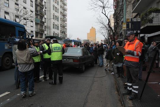 Uno de los controles se realizó en Avenida San Juan y Avenida Juan de Garay. Foto: LA NACION / Miguel Acevedo Riú