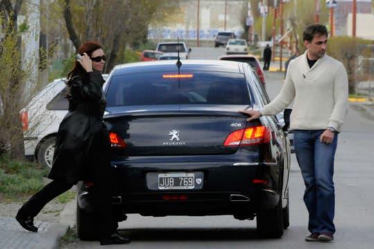 Cristina Kirchner antes de entrar el mausoleo en recuerdo de su esposo. Foto: OPI Santa Cruz