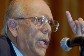Jorge Battle debió viajar a la Argentina y disculparse ante el presidente Eduardo Duhalde por sus dichos a un canal extranjero