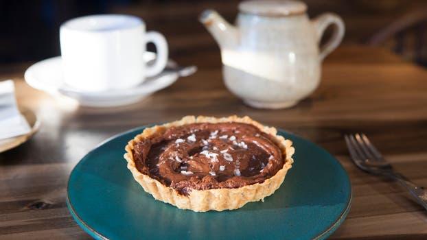 La tarteleta de la Alacena: mousse de chocolate y sal.