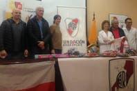 River realizó donaciones a un hospital de Quito y entrará a la cancha con una remera en apoyo a los afectados por el terremoto