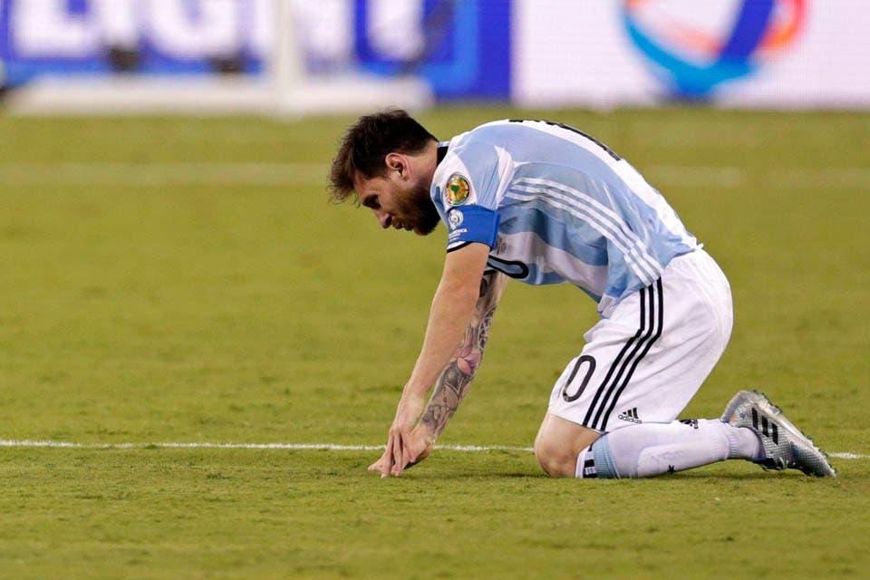 Es una pena por Lio Messi, su carrera no merece esto.