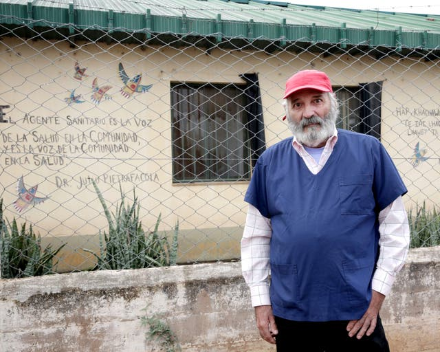 Rodolfo Franco es el único médico clínico de la localidad