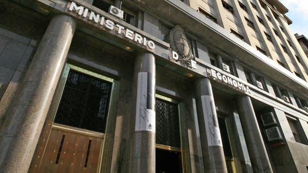 El Gobierno emite hoy un bono en dólares a 100 años de plazo, el más largo de la historia de la Argentina