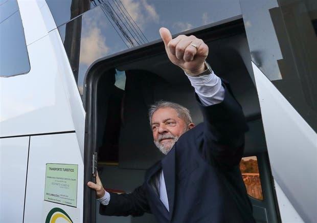 Lula, al iniciar su campaña por el noreste